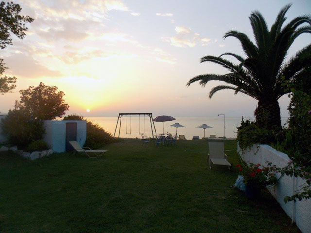 Jennys Studios on the beach, Salonikiou Beach